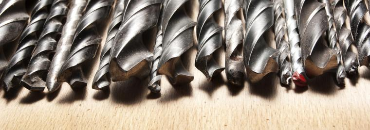 Instrumenti urbšanai un skrūvēšanai
